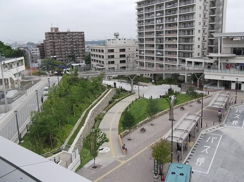 狭山市駅西口の市民広場
