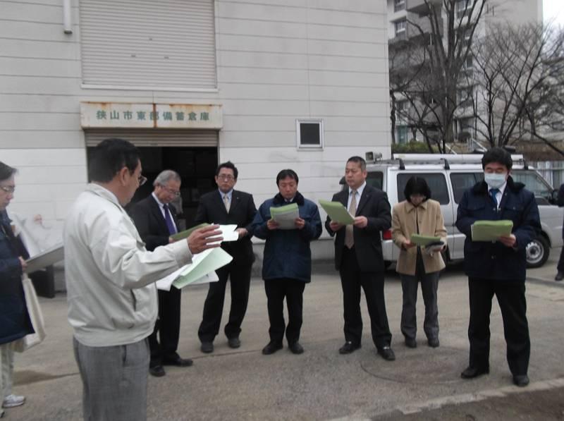 総務のメンバーで防災倉庫も視察しました