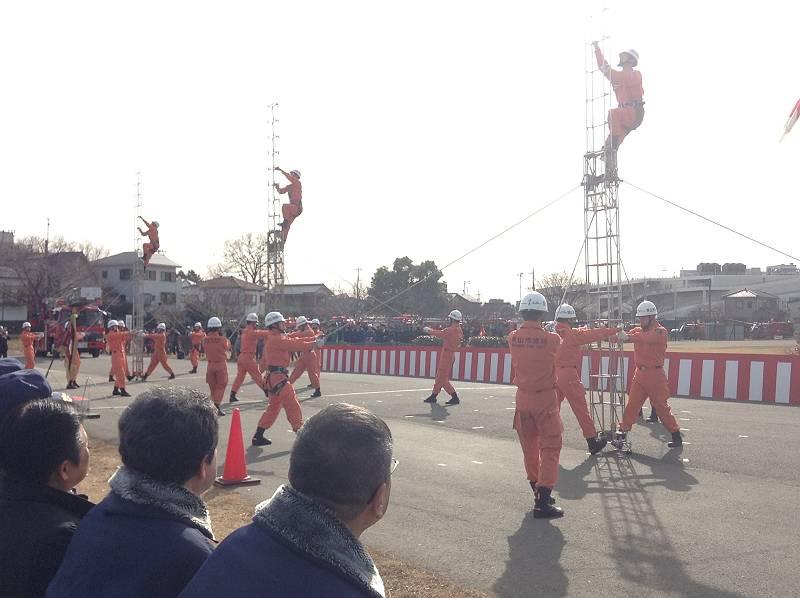 消防隊員さんによる演技